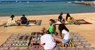 أمل جديد للمنشآت السياحية مع عودة مواعيد الصيف لفتح وغلق المحال والمقاهي