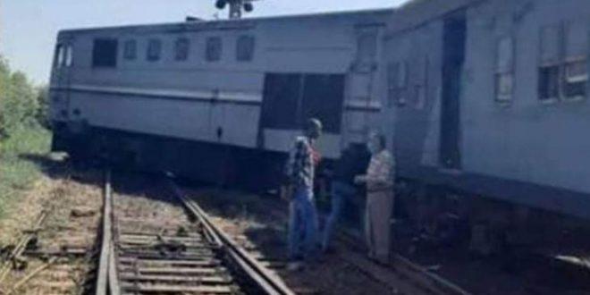 السكة الحديد تكشف خروج قطار طنطا - دمياط عن القضبان بحوش محطة كفر سعد