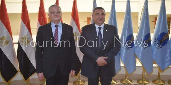 السفير الروسي يكشف تفاصيل ومواعيد رحلات الشارتر لشرم الشيخ والغردقة