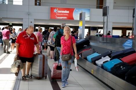 السياح الروس يتصدرون قائمة الوافدين لولاية أنطاليا التركية في الربع الأول