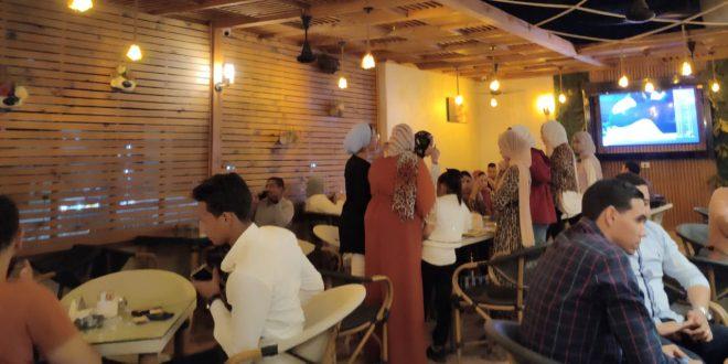 نشاط ملحوظ للمطاعم والكافيهات في قنا بالتزامن مع موسم الامتحانات