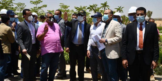 """وزير الإسكان يتفقد مشروع الحدائق المركزية """"كابيتال بارك"""" بالعاصمة الإدارية"""