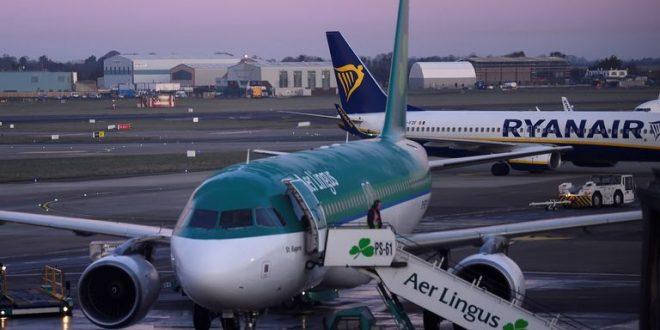 أيرلندا تعلن عن خارطة طريق لتخفيف قيود كورونا وعودة السفر إلى الخارج