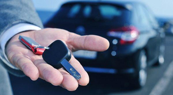 عقد إلكتروني موحد لتأجير السيارات وإلزام منشآت النقل بالبوابة في السعودية