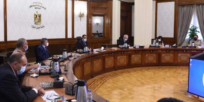 رئيس الوزراء يتابع الموقف التنفيذي لمشروعات منطقة قناة السويس الاقتصادية
