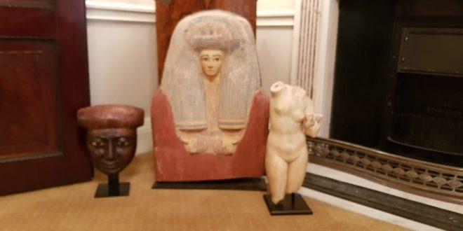 مصر تنجح في استرداد ثلاث قطع أثرية خرجت من البلاد بطريقة غير شرعية