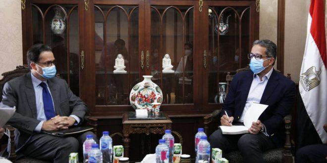 عودة قوية للسياحة الفرنسية إلى مصر .. محور مباحثات العناني والسفير الغرنسي
