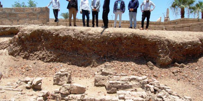 القاضي يؤكد على أهمية إبراز المقومات الأثرية والسياحية بسوهاج