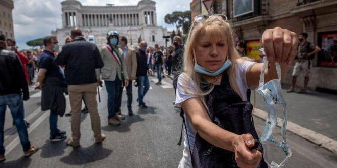 عودة السياحة تنقذ إيطاليا من أسوأ ركود اقتصادي منذ الحرب العالمية الثانية