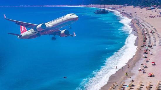 السياحة الروسية تبدأ التدفق على تركيا مع عودة الرحلات الجوية