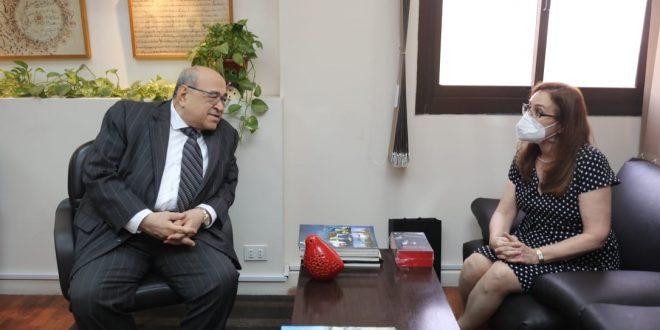 سفيرة كوبا تزور مكتبة الإسكندرية في أول زيارة رسمية