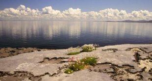 مياه مضيئة وأساطير قديمة .. أيرلندا بلد العجائب والغرائب والمغامرات