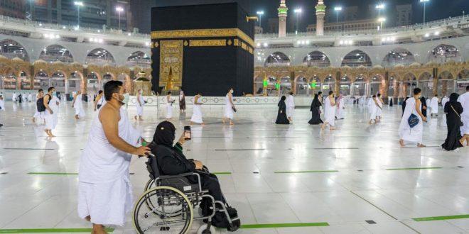 """السعودية : 20 مليون مستفيد من تطبيق """"اعتمرنا"""" تسلموا تصاريح للصلاة والعمرة"""