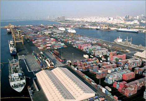 إغلاق ميناء الغردقة البحري أمام حركة الملاحة بسبب سوء الأحوال الجوية اليوم