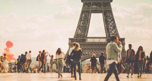 فرنسا تعيد فتح حدودها أمام المسافرين الدوليين غداً وتحدد 3 قوائم للتحصين