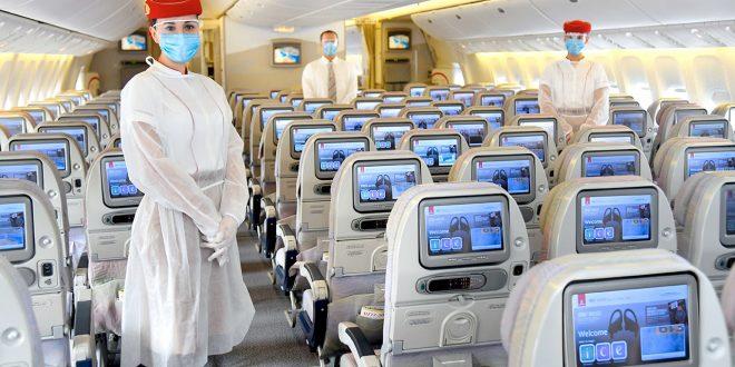 طيران الإمارات تتوقع سفر 450 ألف شخص عبر مركزها في دبي الشهر المقبل