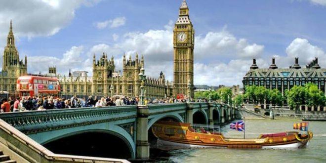 جونسون يوافق على إعادة فتح انجلترا أمام السياح من الاتحاد الأوروبي وأمريكا