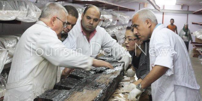 تعاون مصري ياباني في ترميم مركب خوفو الثانية ونقل 72 قطعة للمتحف الكبير