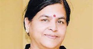 وزيرة السياحة والثقافة الهندية تحدد سعر الصورة السيلفي معها بـ 100 روبية