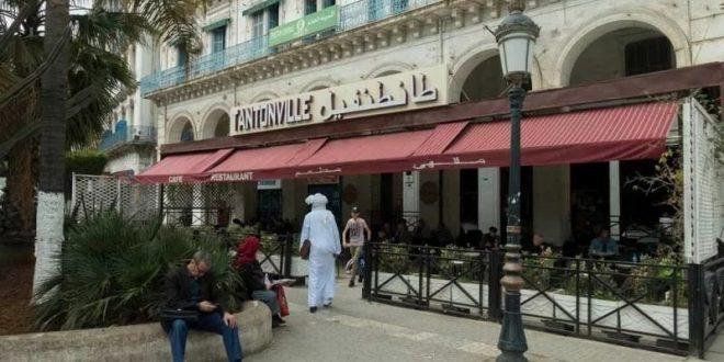 انهيار السياحة يهدد مقاهي التراث .. تاريخ طويل للثورة والخيانة بالجزائر