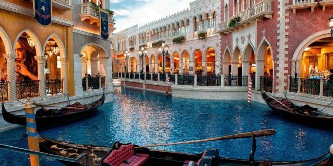 إيطاليا تتجاوز خسائر كورونا السياحية بفرض رسوم إضافية على السياح في الصيف