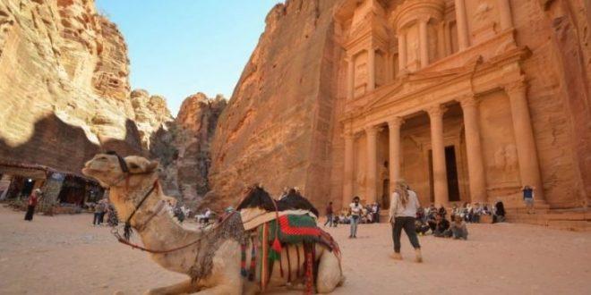 44 % تراجعاً في ايرادات السياحة بالأردنية نتيجة القيود التي فرضتها الحكومة