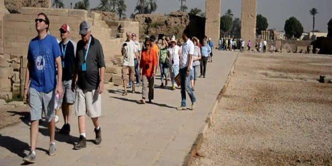 السياحة الروسية وصلت معبد دندرة والبداية بـ 150 سائحًا