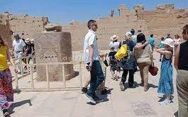مدير معابد الكرنك : إقبال متوسط من مختلف الجنسيات لزيارة معالم الأقصر