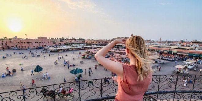 السياح الإسرائيليون يتحدثون عن الدفئ في المدينة الحمراء بالمغرب