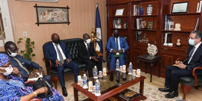 وزير خارجية سيراليون يطلب الاستفادة من الخبرات المصرية في السياحة والآثار
