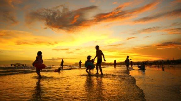 أكاديمية السياحة الصينية تتوقع 4.1 مليار رحلة محلية في عام 2021 بزيادة 42%