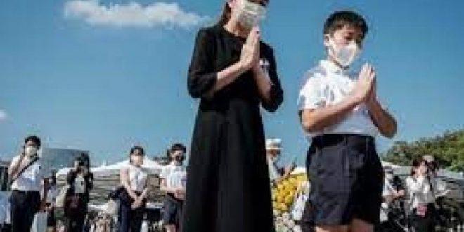 أقارب ضحايا أسوأ حادث طيران في العالم أودى بحياة 520 شخصا يحيون الذكرى 36
