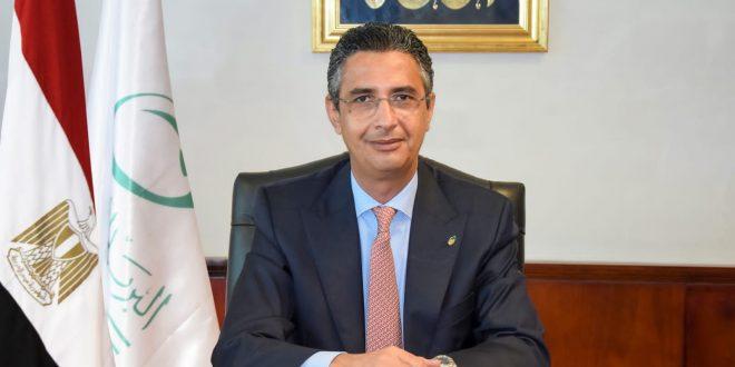 رئيس البريد المصري يدلي بصوته في انتخابات إتحاد البريد العالمي بأبيدجان