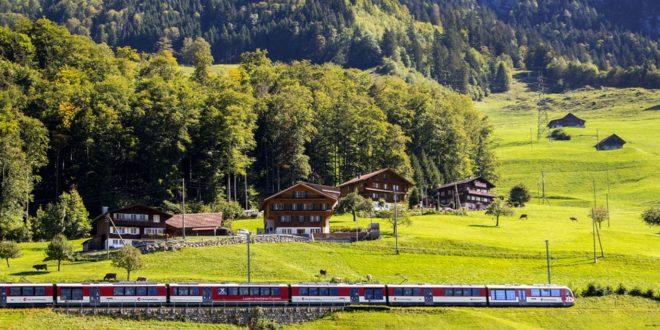 4 تجارب مثيرة في قطارات تمر بمواقع طبيعية خلابة