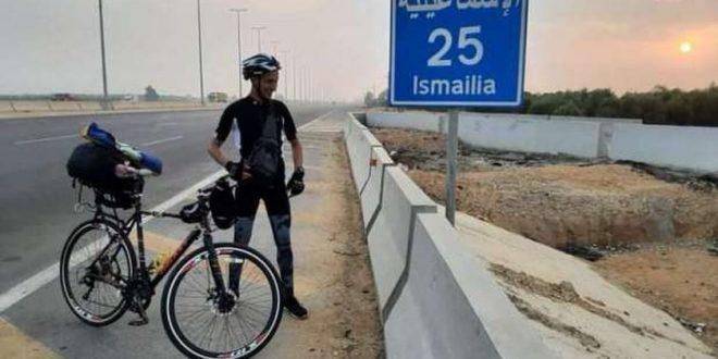 قرأ كتب ابن بطوطة وبدأ الترحال لزيارة المعالم السياحية في مصر بدراجة