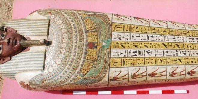 التابوت الأثري المصري المشارك في معرض اكسبو دبي 2020 يصل الإمارات