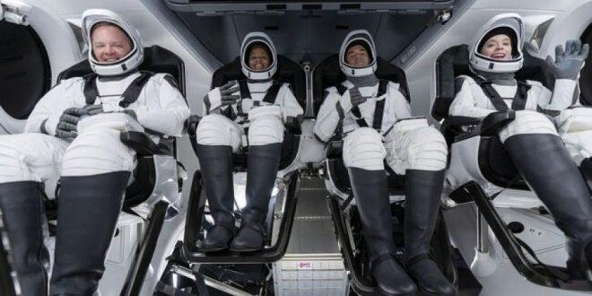 الأربعاء .. انطلاق كبسولة شركة سبيس إكس بـ 4 أشخاص للفضاء