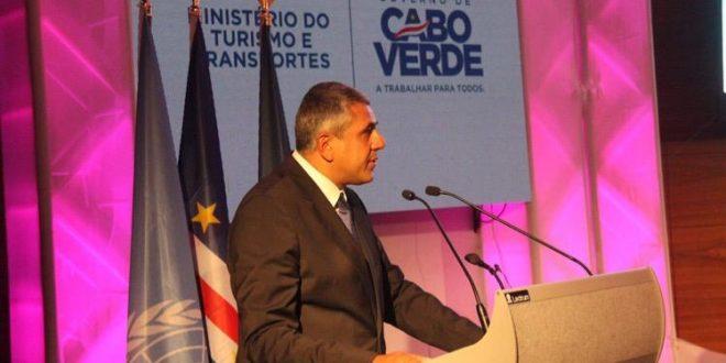 الأمين العام لمنظمة السياحة العالمية يكشف إحصائيات جديدة وخسائر وقف السفر