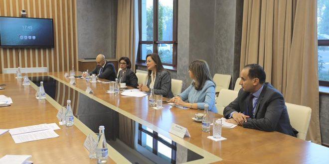 السعيد تستعرض مشروعات البنية التحتية والطاقة وتحفيز الاستثمار بأوزباكستان