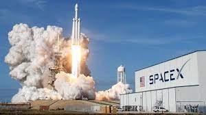 انطلاق أول رحلة في تاريخ البشرية تقل سياحاً وركاباً عاديين إلى الفضاء
