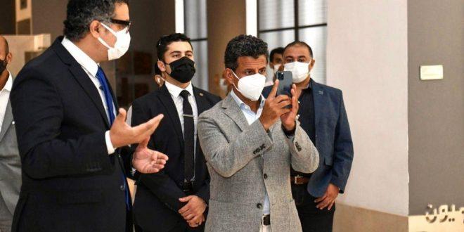 نواب يطالبون العناني بالتركيز على السياحة العربية ويشيدون بزيارة الخطيب