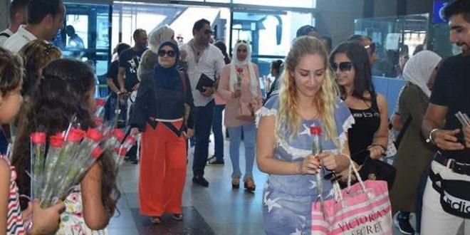 17 ألف سائح يصلون إلى مطاري الغردقة ومرسى علم على متن 85 رحلة طيران دولية