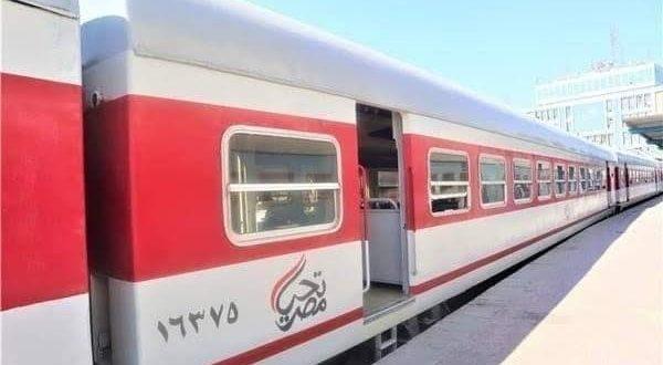 سكك حديد مصر تضيف عربات مكيفة ومحسنة لـ 9 قطارات سياحية بالوجه البحري