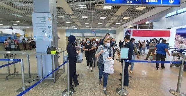 وصول أول رحلة من جنيف لشرم الشيخ يؤكد عودة السياحة العالمية لمصر