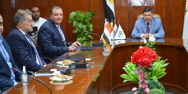 الإسكندرية للحاويات توقع عقدا مع CMA CGM العالمية للتداول بأرصفة محطاتها