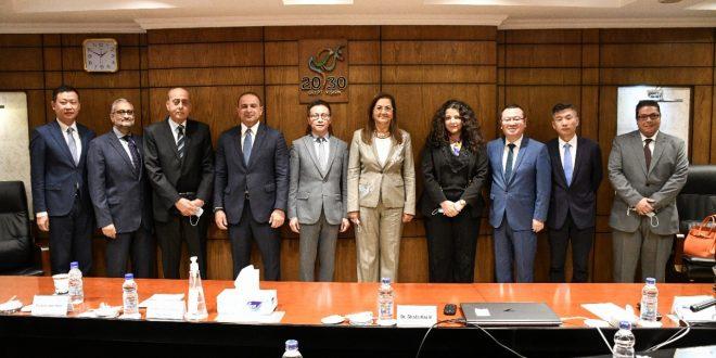 وزيرة التخطيط تلتقي نائب رئيس شركة هواوي العالمية لبحث سبل التعاون