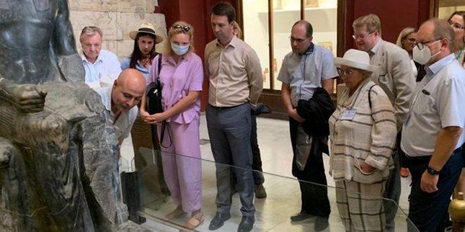 المتحف المصري بالتحرير يستضيف وفد المعهد المتحد للعلوم النووية بروسيا