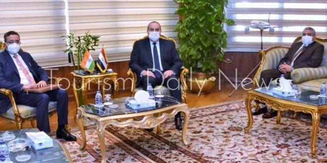 وزير الطيران يستقبل السفير الهندي لبحث أوجه التعاون بين البلدين