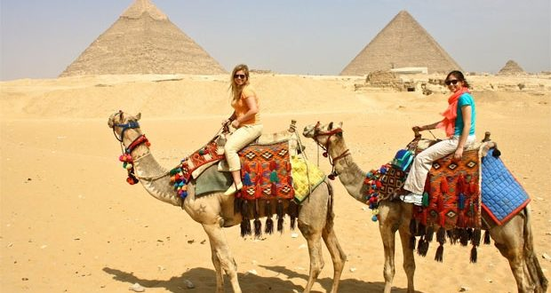 عضو بالشيوخ : تحويل القاهرة والجيزة والقليوبية إلى منطقة سياحية واستثمارية
