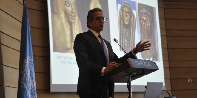 العناني يلقي محاضرة باليونسكو على 100 من سفراء العالم عن تراث مصر الحضاري